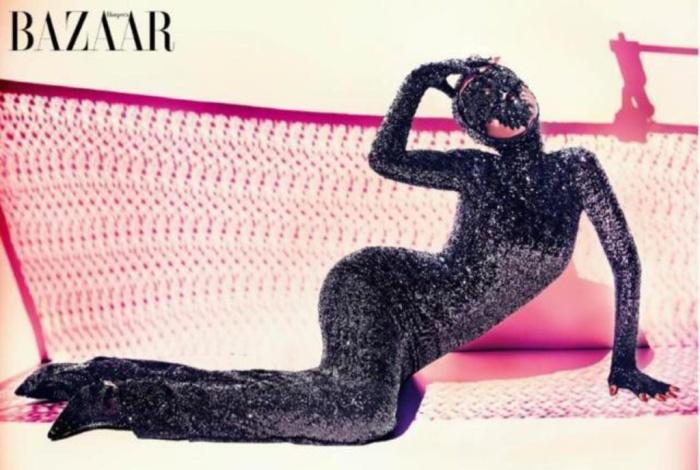 Rihanna-sexy-pour-le-magazine-Harper-s-Bazaar-Arabia_exact1024x768_l (1)