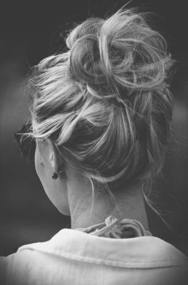 chignon bun cheveux